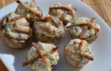 Ciuperci umplute cu brânză de vaci