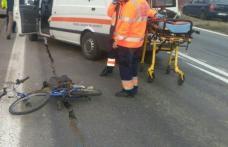 Atenţie, biciclist băut! Un bărbat s-a rănit după ce s-a dezechilibrat şi a căzut pe carosabil