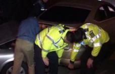 Un dorohoian rupt de beat la volan, a făcut praf o maşină parcată regulamentar