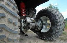 Ce a păţit un tânăr care conducea un ATV, băut şi fără permis