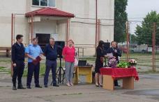 """Bucurie și recunoștință la final de an școlar la Școala Gimnazială """"Alexandru Ioan Cuza"""" din Dorohoi - FOTO"""