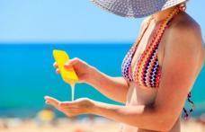 Studiu: nu soarele cauzează cancer, ci loţiunile de plajă