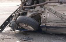 Mașină răsturnată găsită de polițiști. Vezi ce au găsit oamenii legii în ea!