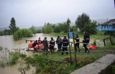 Prefectul şi şeful ISU, în judeţ pentru monitorizarea situaţiilor apărute în urma precipitaţiilor - FOTO