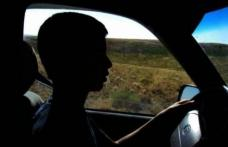 Minor de 16 ani prins la volan fără permis și băut