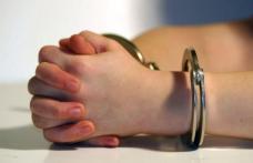 Minor arestat preventiv pentru comiterea mai multor infracţiuni