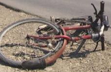 ACCIDENT – O biciclistă a ajuns la spital, după ce a fost acroșată de o mașină