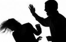 Bărbați reținuți de polițiști pentru violență în familie
