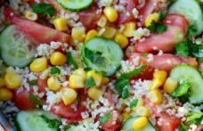 Salată cu castraveți și cous-cous