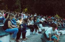 """Seară de socializare, pentru tinerii din Dorohoi, organizată de Asociația """"Ghica Plus"""" - FOTO"""
