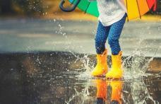Ploi puternice lovesc România. Când şi unde se anunţă prăpăd, cât de mult cresc temperaturile