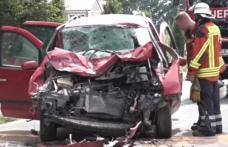 Accident grav în Germania: 7 români au fost răniți după ce au intrat cu mașina într-un tractor