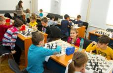 Elevii scutiţi la orele de educaţie fizică şi sport vor practica şahul