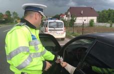 INCONȘTIENȚĂ: Fără permis de conducere, a urcat beat la volanul unei mașini împrumutate pe care a lovit-o apoi a fugit