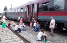 Panică în trenul Suceava-Bucureşti, după ce o femeie de 40 de ani a murit