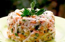 Salată de pui cu țelină