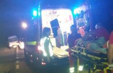 Bărbat rănit după ce a intrat cu motocicleta într-o vacă aflată pe un drum național