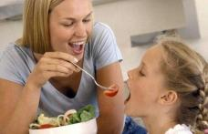 Tu ştii care sunt cele mai bune 20 de alimente pentru copilul tău?