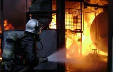 Incendiu la o fabrică de cauciuc din Botoșani. Pompierii au intervenit cu cinci mașini