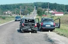 Două persoane rănite în urma unui accident produs la Copălău. Şoferul vinovat nu a păstrat distanţa regulamentară faţă de maşina din faţa sa