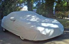 Cum să-ți protejezi mașina vara, când temperaturile din termometre depășesc 30 de grade Celsius!