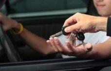 Plimbare cu iz penal: Un adolescent de 17 ani, prins la volan fără permis, pe o stradă din Dorohoi!