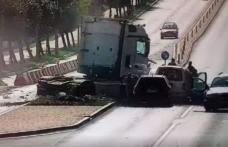 Accident dramatic în Suceava, un TIR trece pe roșu și izbește patru mașini - VIDEO