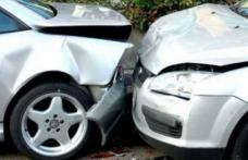 Accident rutier rezultat cu rănirea unui minor după ce un șofer nu s-a asigurat la schimbarea direcției de mers