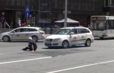 Traversarea străzii s-a dovedit periculoasă pentru un botoșănean care a fost lovit de o mașină