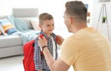 Începerea şcolii înseamnă schimbare. Cum pregăteşti copilul pentru prima zi de școală