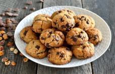 Biscuiți de ciocolată și alune