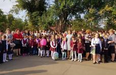 """Început de an școlar la Școala Gimnazială """"Alexandru Ioan Cuza"""" Dorohoi - FOTO"""