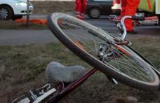 Băutura a băgat în spital un biciclist! Bărbatul, abțiguit bine, s-a dezechilibrat și a căzut! Omul a fost preluat de o ambulanță