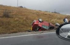 Cercetat de polițiști după ce a condus în stare de ebrietate, o mașină neînmatriculată și a plecat de la locul accidentului