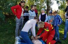 """Pompierii voluntari și elevii din județul Botoșani pregătiți să salveze vieți """"Voluntariat - crez și dăruință de la mic la mare"""" - FOTO"""