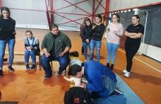 """Cursuri de prim ajutor gratuite oferite de Asociația """"Ghica Plus"""" din Dorohoi - FOTO"""