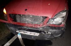 Autoutilitară puternic avariată după ce a izbit un porc mistreț pe drumul Dorohoi – Darabani - FOTO
