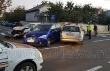 Accident GRAV! Trei mașini au fost distruse și patru oameni au ajuns la spital - FOTO