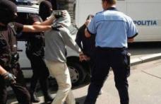 """RAZIE a poliţiştilor botoșăneni: Doi minori """"luaţi pe sus"""" de oamenii legii"""