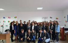"""Parteneriat pentru educație de calitate - Liceul """"Regina Maria"""" și Gimnaziul """"Mihail Kogălniceanu"""" Dorohoi - FOTO"""
