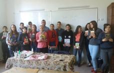 """""""Cartea punte peste Prut"""", activitate la Școala Gimnazială nr. 1 Rădăuți-Prut și Liceul Teoretic Lipcani - FOTO"""