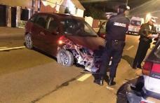 O șoferiță beată a scăpat mașina de sub control provocând un accident în care a distrus trei mașini - FOTO