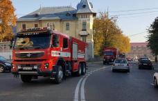 Cutremur de 7,5 grade pe Richter în România. Mai multe echipaje de pompieri din Botoșani au plecat către București - FOTO