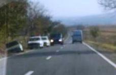 La un pas de tragedie! Un șofer din Dorohoi a ajuns cu mașina în șanț, după o criză de epilepsie