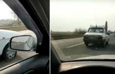 """""""Bătrâna Dacie"""" - Un șofer a rămas fără cuvinte. Vezi cu ce viteză l-a depășit o Dacia 1310! - VIDEO"""