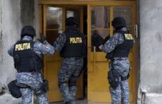 PERCHEZIȚII la spărgători de locuințe. Mascații au descins la un CUIB DE HOȚI din Botoșani