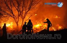 Incendiu puternic la Dragalina! Pompierii dorohoieni luptă pentru a stinge peste 50 de tone de furaje - VIDEO/FOTO