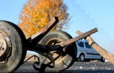 Carutaș accidentat după ce un tânăr șofer nu a păstrat distanța în mers