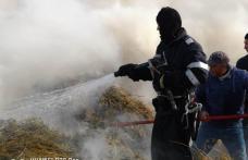 Misiune dificilă: Încă un incendiu a izbucnit la un depozit de furaje, în județul Botoșani - FOTO