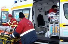 Copil lovit în plin de o maşină în timp ce traversa strada în fugă prin loc nepermis